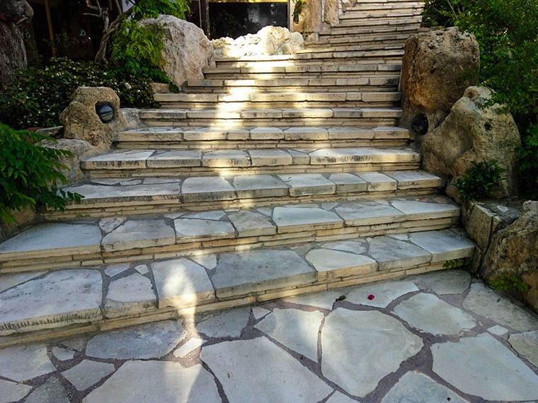 Украшение лестниц